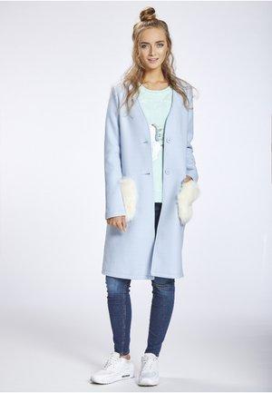 Zimní kabát - light blue