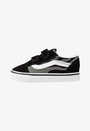 OLD SKOOL - Zapatillas - black/true white