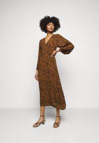 Faithfull the brand - FLORIAN WRAP DRESS - Denní šaty - kenya - 0