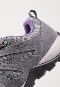 Columbia - REDMOND V2 WP - Outdoorschoenen - ti grey steel/plum purple - 5