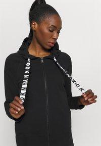 DKNY - TWO TONE LOGO ZIP FRONT - Zip-up sweatshirt - black - 3