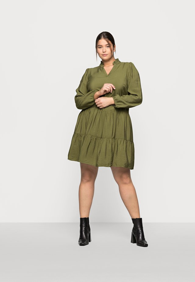 CEDMINA DRESS - Denní šaty - capulet olive
