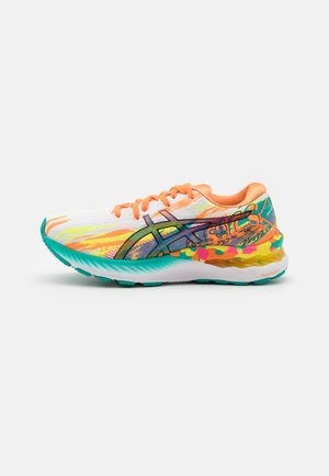 GEL-NIMBUS 23 NOOSA - Neutral running shoes - hot pink/sour yuzu