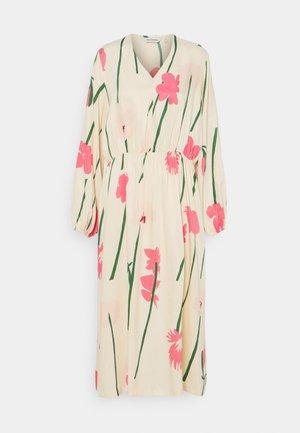 NIITTY TORIN KUKAT DRESS - Day dress - beige/pink/green