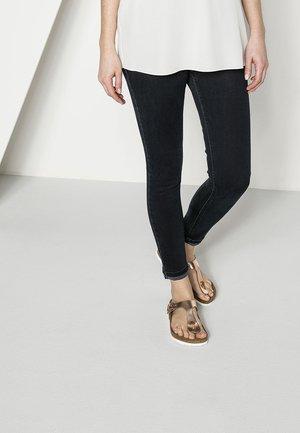 GIZEH  - T-bar sandals - metallic copper