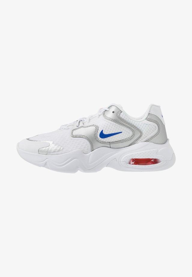 AIR MAX 2X - Sneakers basse - white/racer blue/metallic silver/bright crimson/flash crimson