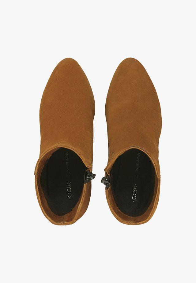 VELOURSLEDER-STIEFELETTE  - Classic ankle boots - ocker
