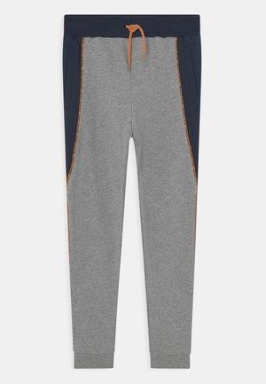 NKMKINGO  - Trousers - grey melange