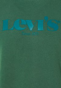 Levi's® - RELAXED GRAPHIC CREW - Sweatshirt - greens - 6