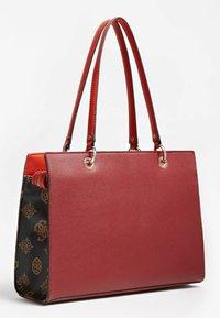 Guess - ISLA - Handbag - rot - 1