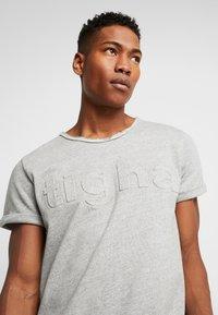 Tigha - MILO LOGO - Print T-shirt - grey melange - 3