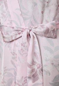 Women Secret - LONG ROBE FLOW  - Dressing gown - pink - 6