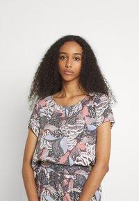 ONLY - ONLGUSTA LIFE  - T-shirts med print - ash rose - 0