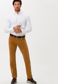 BRAX - STYLE COOPER FANCY - Straight leg jeans - curry - 1