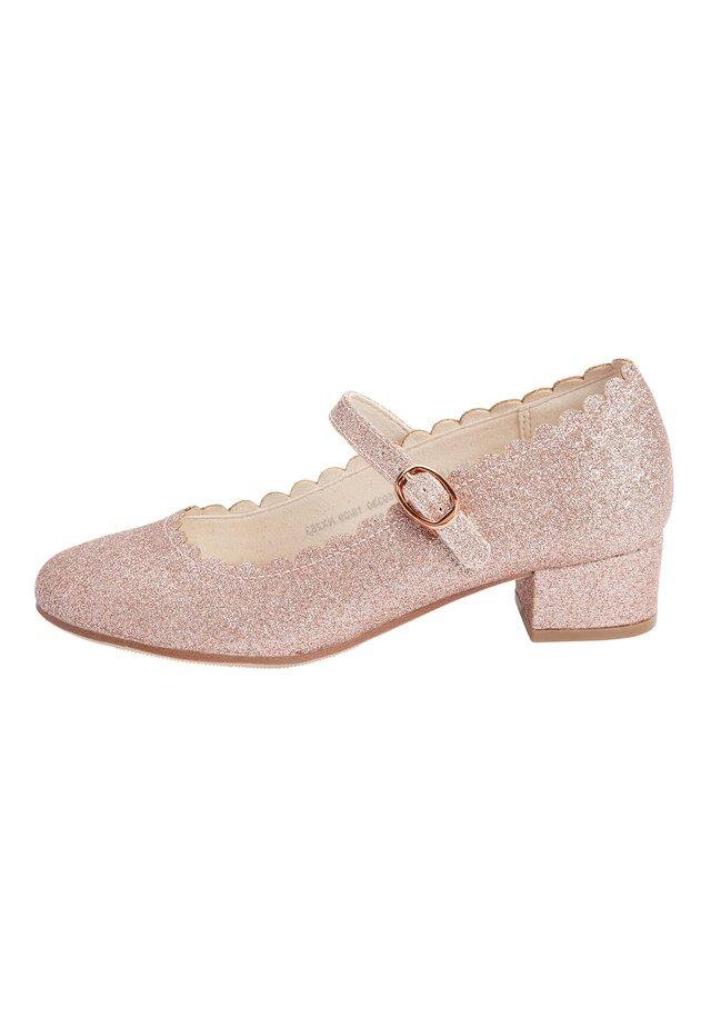 GOLD SCALLOPED MARY JANE HEELS (OLDER) - Riemchenballerina - pink