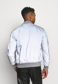 Alpha Industries - HOOD REFLECTIVE - Bomber Jacket - silver - 3