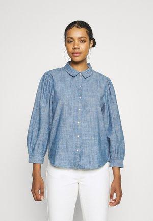 JDYHELLA  - Button-down blouse - medium blue denim