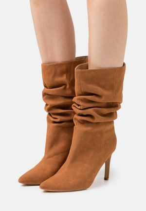 RUCHED STILLETO BOOTS - Bottes - tan