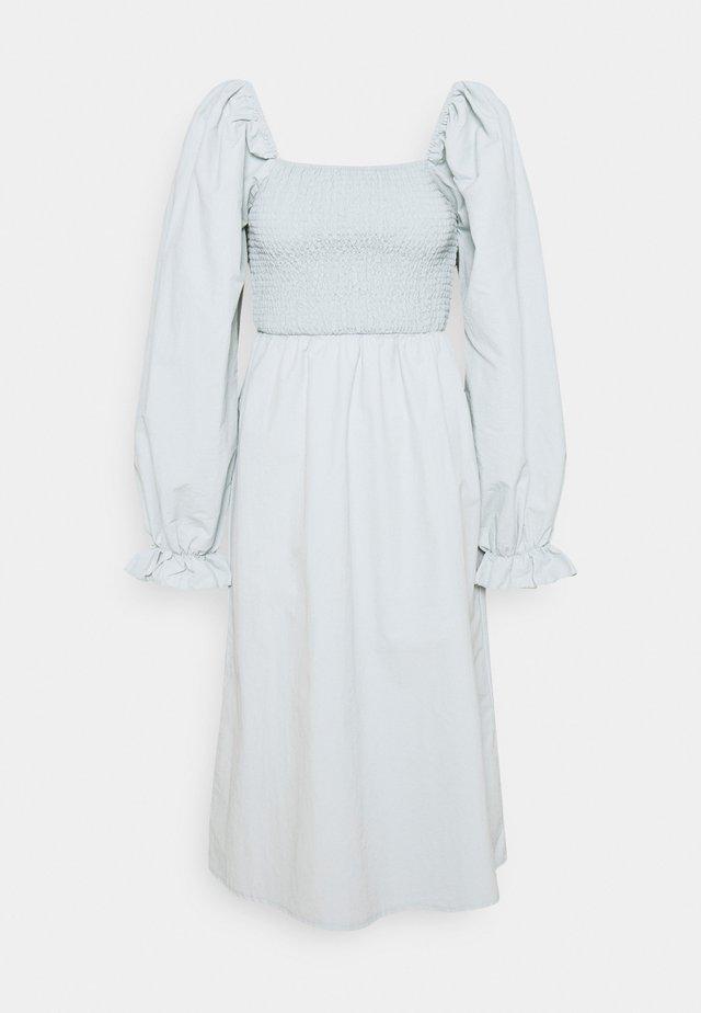 SHIRRED MILKMAID PUFF SLEEVE DRESS - Maxi šaty - baby blue
