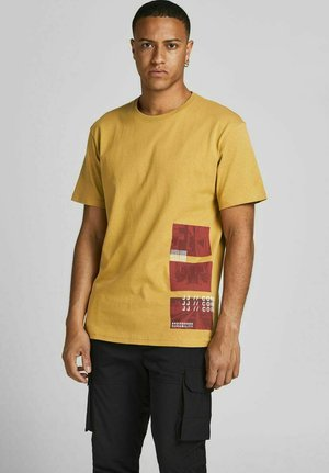 JCORACK - Print T-shirt - honey mustard