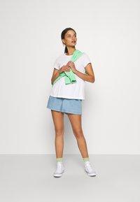 Anna Field Petite - Basic T-shirt - white - 1