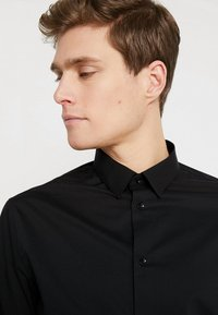 CELIO - MASANTAL - Formal shirt - noir - 3