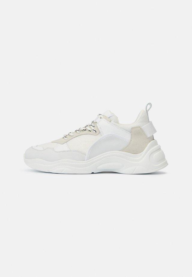 CURVERUNNER - Sneakers laag - off white/beige