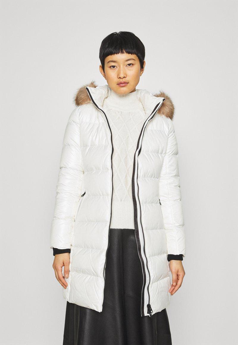 Calvin Klein - ESSENTIAL REAL COAT - Down coat - snow white
