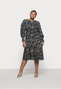 New Look Curves - SHIRRED DETAIL MIDI DRESS - Day dress - black pattern - 1