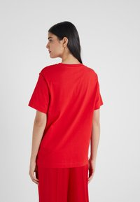 Escada Sport - EHERZ TEE - T-shirt con stampa - rita red - 2