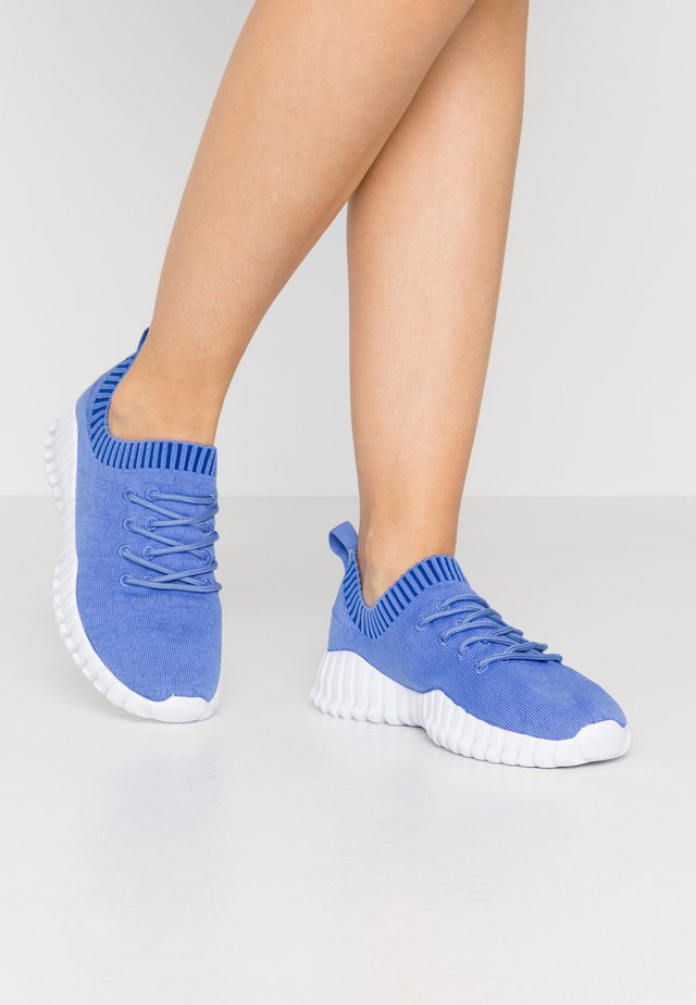 GRAVITY - Sneakers laag - light blue