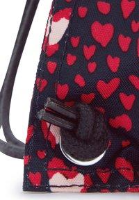 Kipling - SUPERTABOO - Drawstring sports bag - heart festival - 5