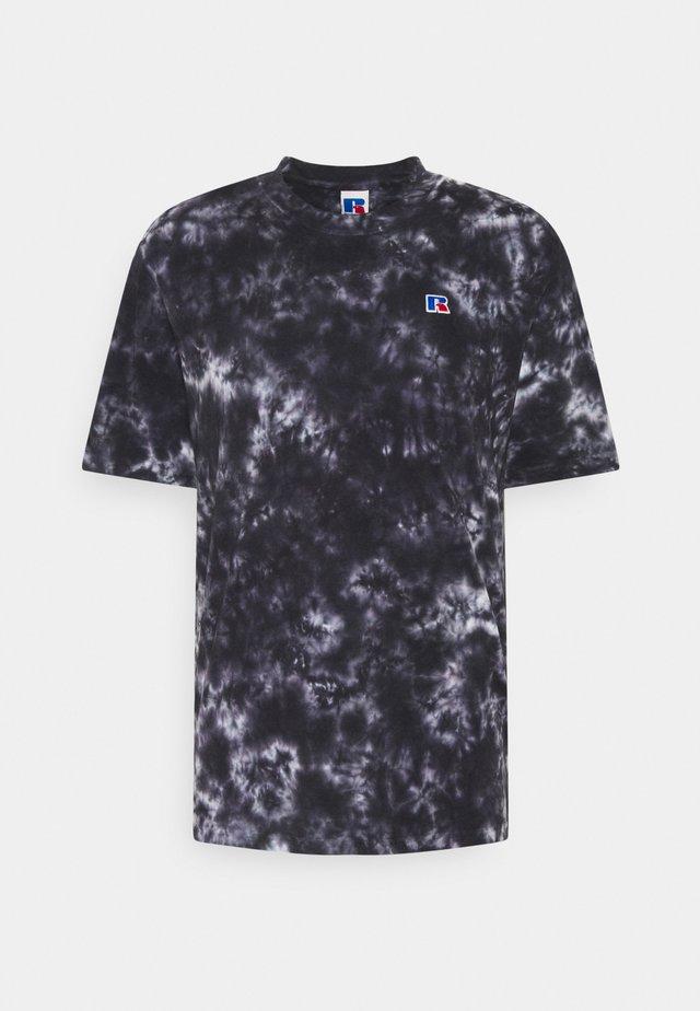 JUDE MEN'S MODERN CREWNECK TEE UNISEX - Print T-shirt - black