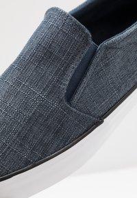 Pier One - Loaferit/pistokkaat - blue - 5