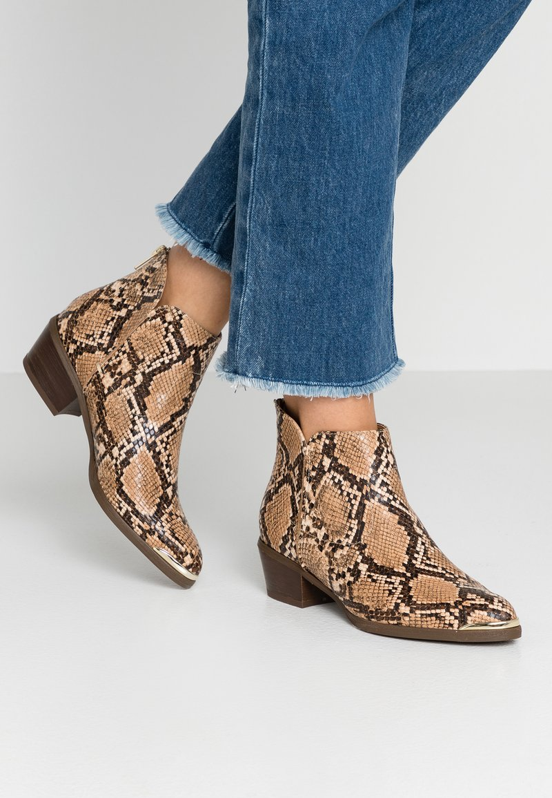 Anna Field Select - LEATHER ANKLE BOOTS - Ankle boots - brown