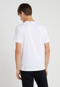 EA7 Emporio Armani - Basic T-shirt - white - 2