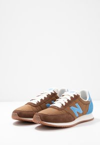 New Balance - UL720 - Zapatillas - brown - 4