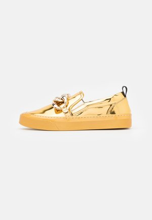 LOAFER - Slippers - gold