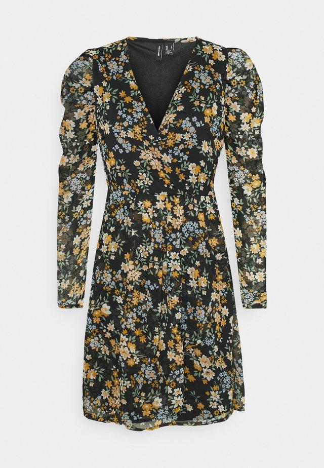 VMKAMMA NECK WRAP DRESS  - Robe d'été - black/flower