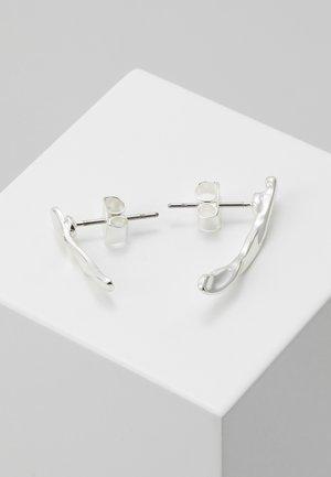 JOHANNA CRAWLER EARRING - Boucles d'oreilles - silver-coloured