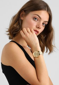 Swatch - SKINLINGOT - Watch - gold-coloured - 1