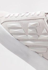 EA7 Emporio Armani - Sneakers - nimbus cloud - 5