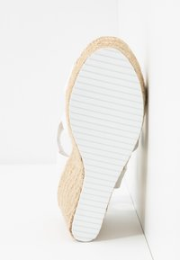 Madden Girl - ROSEWOD - Sandales à talons hauts - white - 6