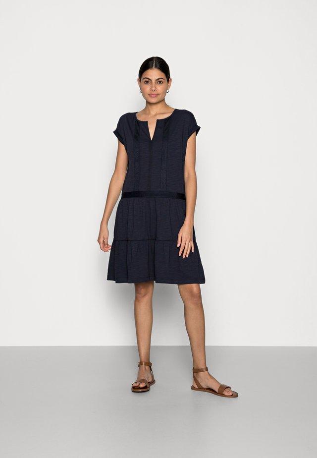 STRUC TAPE DRESS - Sukienka letnia - navy