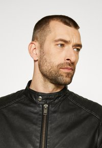 Selected Homme - SLHICONIC RACER - Leather jacket - black - 5