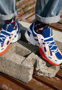 adidas Originals - EQT GAZELLE RUNNING-STYLE SHOES - Sneakers - power blue/grey one/solar red - 7