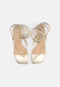 Monki - T-bar sandals - gold - 4