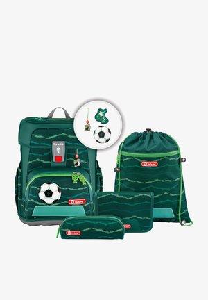 SET  - Schooltas set - soccer star