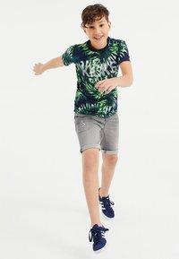 WE Fashion - T-shirt con stampa - multi-coloured - 0