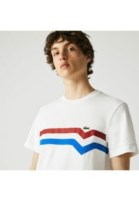 Lacoste - Print T-shirt - blanc/rouge/bleu - 2